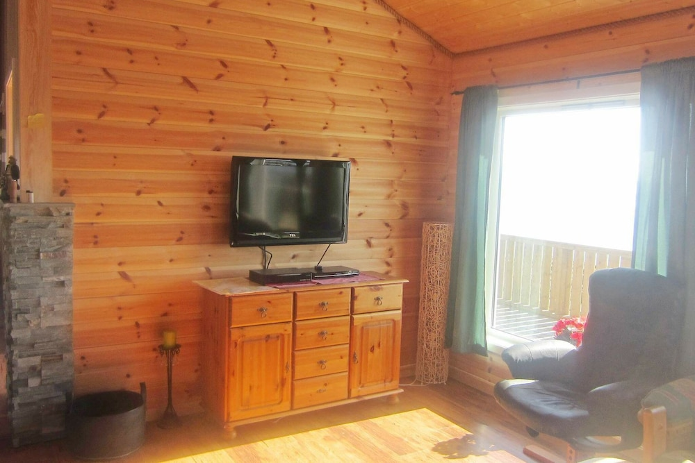 Living Room, 4 Star Holiday Home in Storfosna