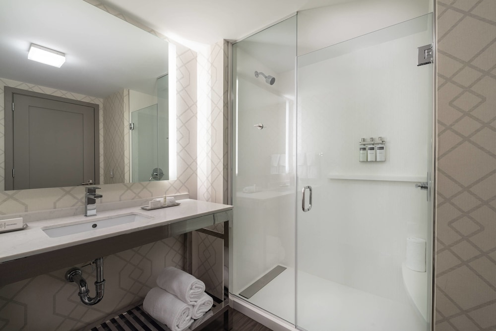 Bathroom, Residence Inn by Marriott Weehawken