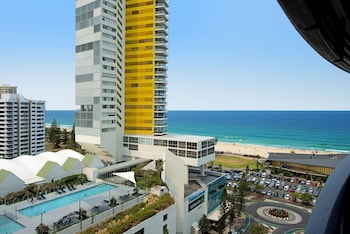 Oracle Resort, Broadbeach - We Accommodate