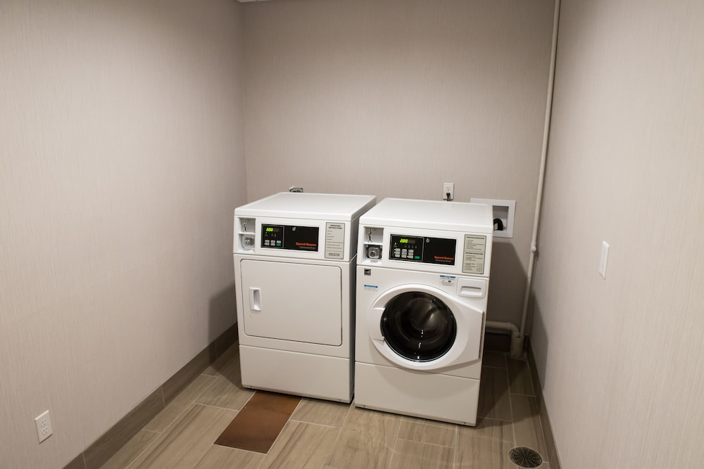 Laundry Room, Holiday Inn Express & Suites Merrillville