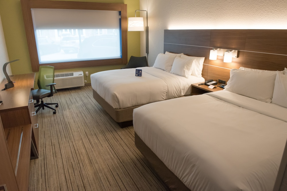 Room, Holiday Inn Express & Suites Merrillville