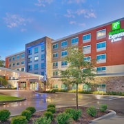 Holiday Inn Express & Suites Gainesville I-75