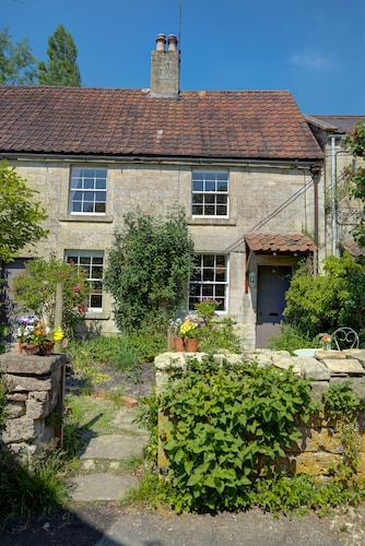Cottage IN A Village ON THE Wilts/somerset Border Near Bath + Bradford ON Avon