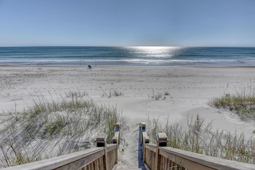 Breathtaking Oceanfront Luxury In Desirable Southern Topsail Beach
