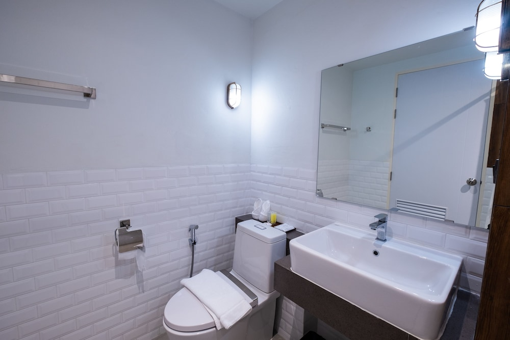 Bathroom Amenities, S.22 Hotel Suratthani