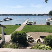 Lakefront 3 Bed/2 Bath Cottage on Silver Lake in Rockford - Grand Rapids Area