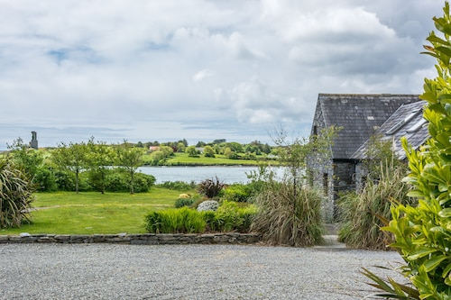 Luxury Schull Waterfront House 3 Bedrooms En-suite Facing South Amazing Seaviews
