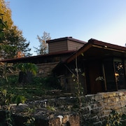Frank Lloyd Wright Apprentice Designed Suite Overlooks Taliesin and Close to APT