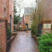 Quiet Charm In Heart Of Old Town Alexandria