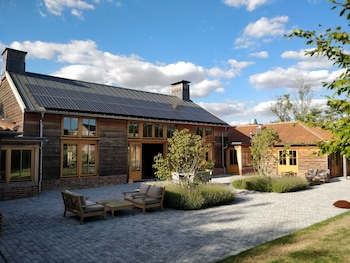 Brick Kiln Farm, Sandy Lane, Hemingstone IP6 9QE, England.