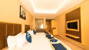 Egyptian cotton sheets, premium bedding, minibar, iron/ironing board