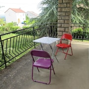 House With 4 Bedrooms in Charnay-lès-mâcon, With Wonderful Mountain View and Enclosed Garden