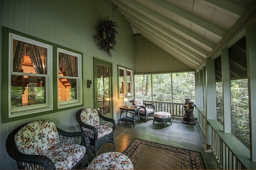 The Hidden Pearl/private, Charming, Lakeview Cottage
