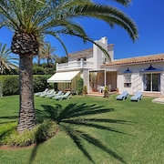 Detached Holiday Home Close to Cabopino Port, Golf Course, Beach, Marbella