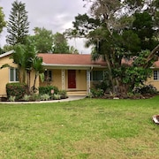 Large, Estate-like Home & Cottage W/ Pool Near Museum, John Ringling Home, Bay!