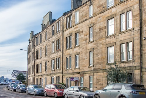 Edinburgh Stylish Apartment - Free Wifi and on Street Parking Close to City Cent