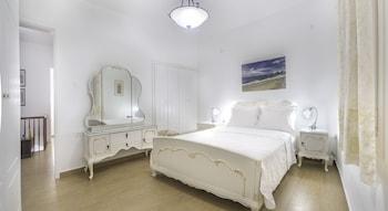 New Mykonos Town house