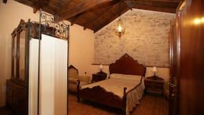 1 Schlafzimmer, hochwertige Bettwaren, individuell dekoriert