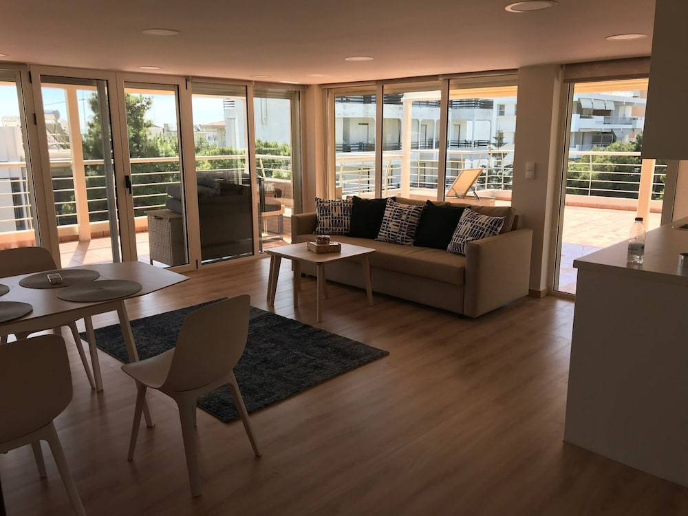 Luxury Penthouse With Roofrop Terrace And Fantastic Seaview
