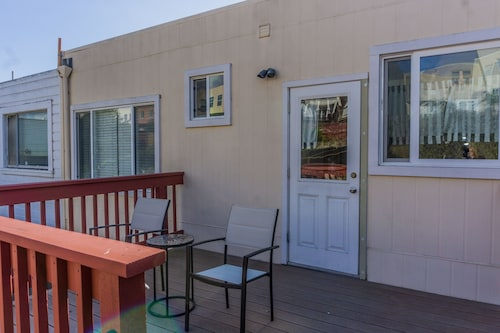 Sunny Spacious Peaceful Modern Home & Studio in SF 3 Bedrooms 2 Bathrooms Home