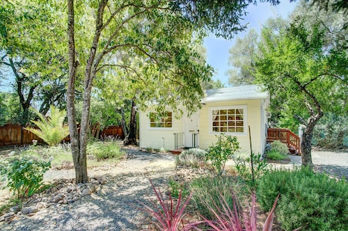 2br Wine Country Gem W/ Large Backyard 2 Bedroom Home