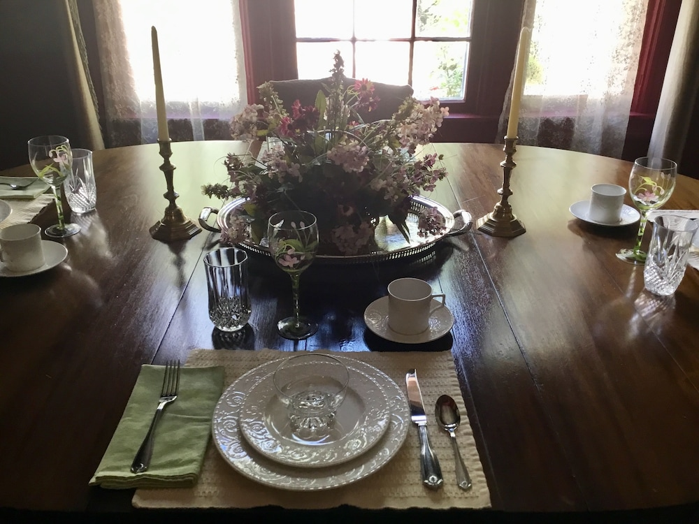 Breakfast Area, Governor's BedandBreakfast