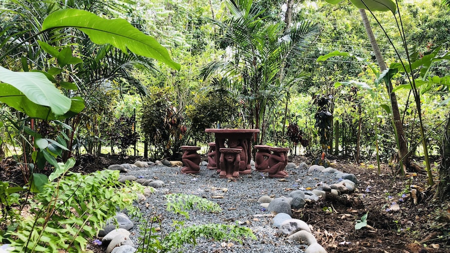 El Jardin de Playa Negra