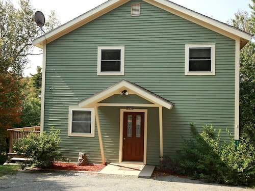 Great Place to stay Custom Home on Lake Eden Vt 2600sg/ft Three Floors 2.5 Bath Rooms an near Eden