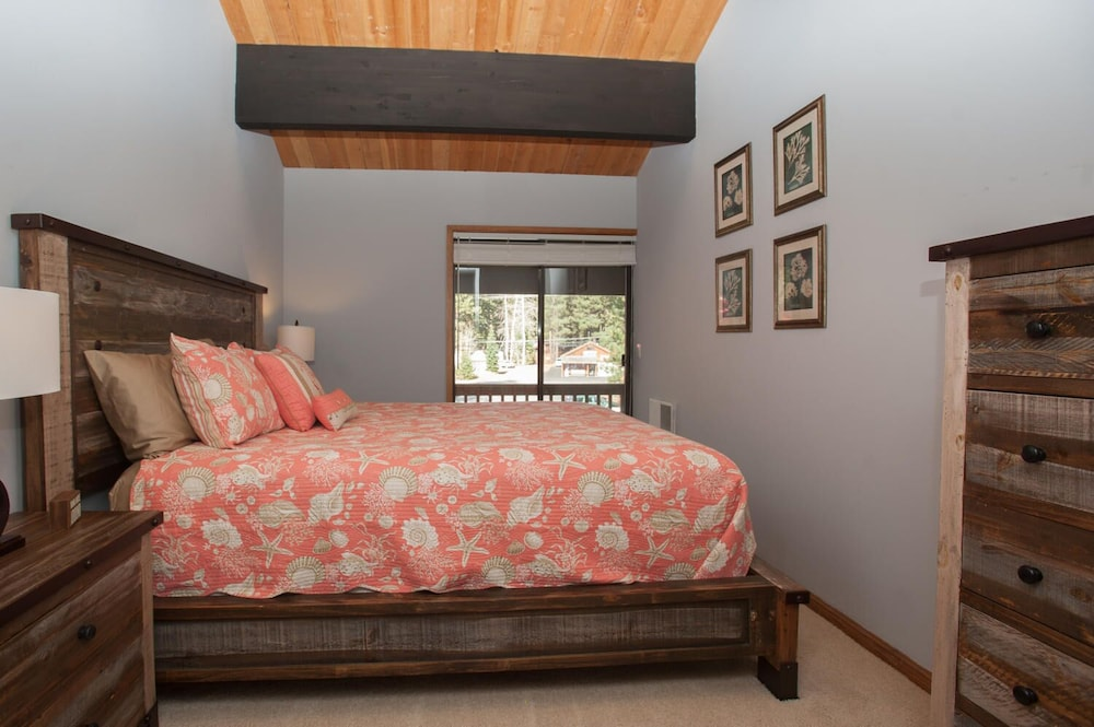 Room, Donner Vista on Donner Lake - 180 Degree View, Private Communal Dock!