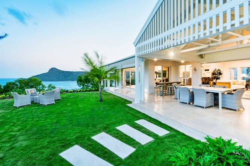 Whitehaven Luxury 5 Bedroom 5 Bathroom House Ocean View With 2 Golf Buggies