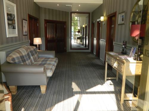 Best Coupar Angus Hotel Deals Red House