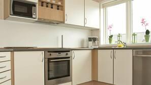 Mikrobølgeovn, komfur, opvaskemaskine, kaffe-/temaskine
