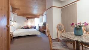 Zimmersafe, Schreibtisch, Bettwäsche