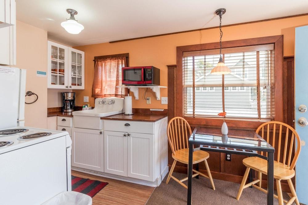 Hidden Villa Cottages In Cannon Beach Hotel Rates Reviews On Orbitz