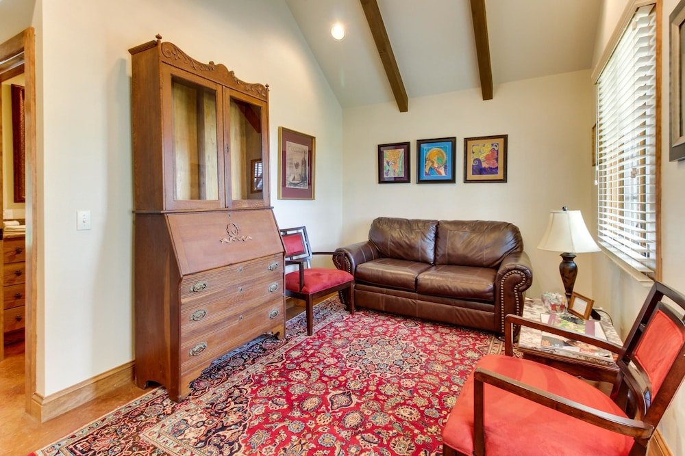 Living Area, Messina Hof Hill Country