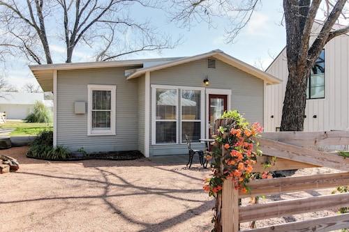 Great Place to stay Travis Street near Fredericksburg