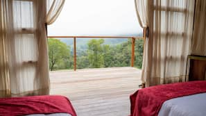 Premium bedding, down duvets, minibar, individually furnished