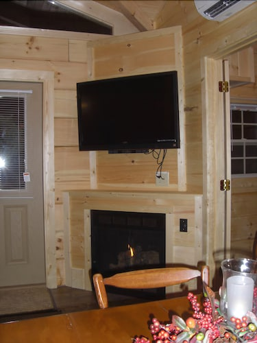 Secluded Log Cabin W Hot Tub Near Cacapon State Park Small