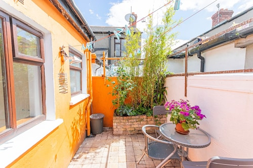2 Bedroom City Cottage In Pheonix Park