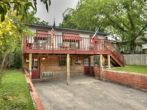 Great Place to stay Griffs Place B 3 Bedroom Condo near New Braunfels