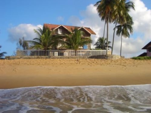 Dream Home About THE Atlantic IN THE Beautiful Beach OF Tabuba
