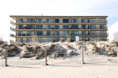Great Place to stay 3 Bdrm / 2 Bath Ocean Front Condo ~ 1st Floor near Ocean City