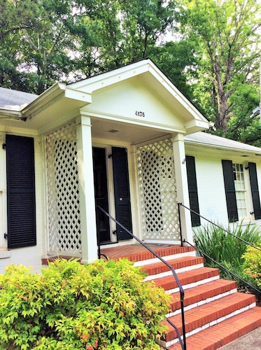 Birmingham Cottage- Outdoor Space- Minutes to Mountain Brook Village,