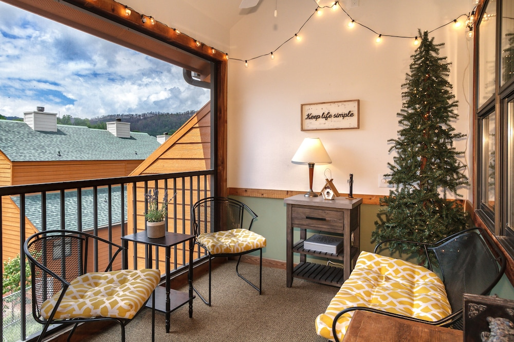 , Smokymtn 5 Star Last Minute Booking Deals Please Inquire!minutes Walk to Strip