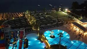 3 indoor pools, outdoor pool