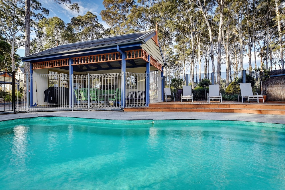 Peachy Waverley House Cottages In Lakes Entrance Hotel Rates Download Free Architecture Designs Scobabritishbridgeorg