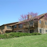 Shenandoah River Lodge- On 160 Secluded Acres