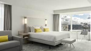 高級寢具、房內夾萬、窗簾、隔音