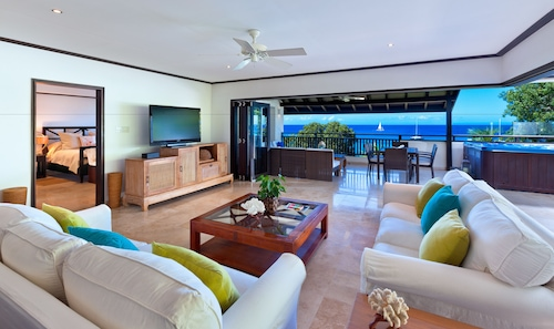 Coral Cove 15 Penthouse by Altman