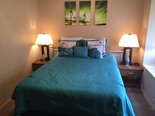 Check Expedia for Availability of Private Queen Size Bedroom in San Antonio -loft A